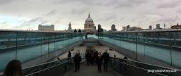 Millennium bridge to St Pauls